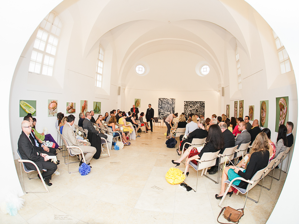 Einzug der Braut bei einer freien Trauung mit Friederike Delong, freie Rednerin Rhein-Main, Wiesbaden, Frankfurt und Mainz